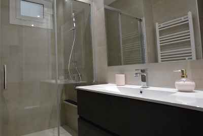 Renovated apartment close to Plaza España